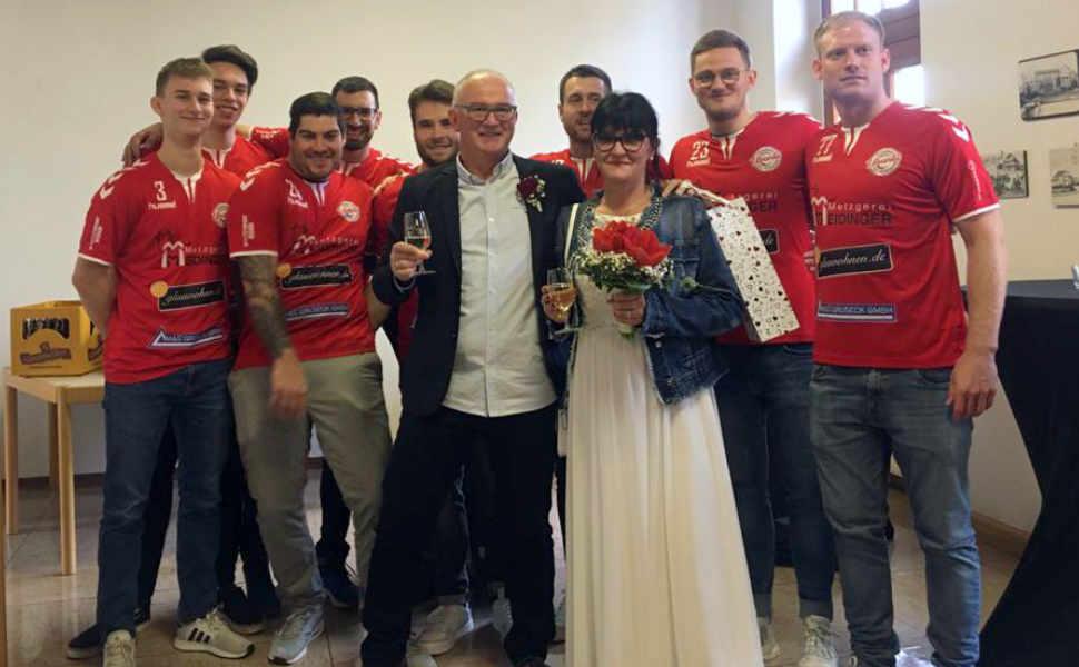 Hochzeitsglocken beim HTV: Holger und Sandra